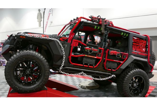 011-sema-2017-jeep-good-weird-ugly-jeep-jk-wrapped-in-chains.jpg
