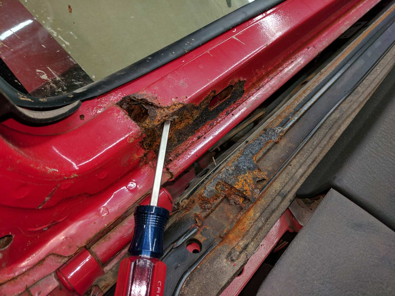 20181231_rust-windshield-frame.jpg