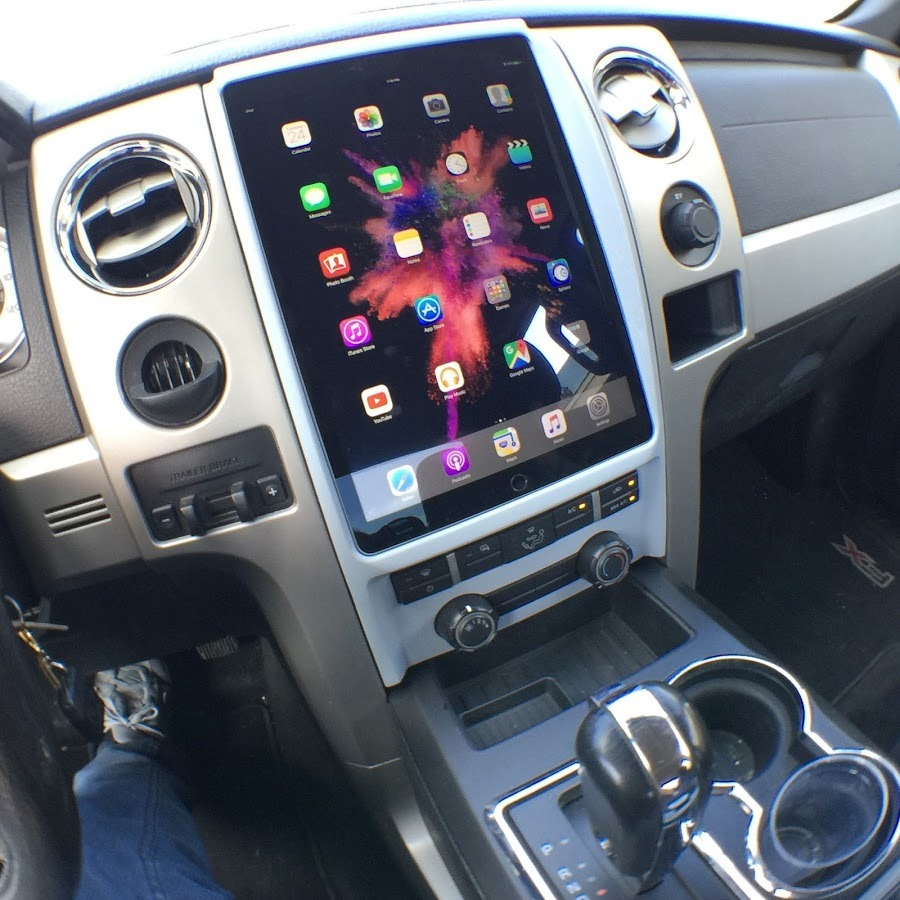 """Your mounting ideas for a tablet in a """"JK"""". 